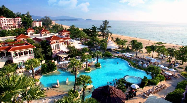 where to go in thailand in november